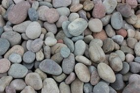 View the Scottish Beach Pebbles (14-20mm) online at Scotbark UK
