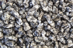 View the Silver Granite Chippings online at Scotbark UK